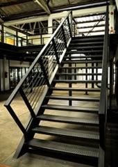 Stalen trappen inspiratie info prijs advies for Binnenhuis trappen