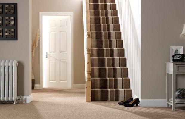 Trap stofferen prijs advies materialen voorbeelden for Nieuwe trap laten plaatsen