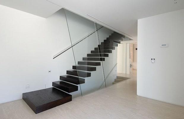 Zwevende trap voorbeelden prijs advies for Houten trap plaatsen