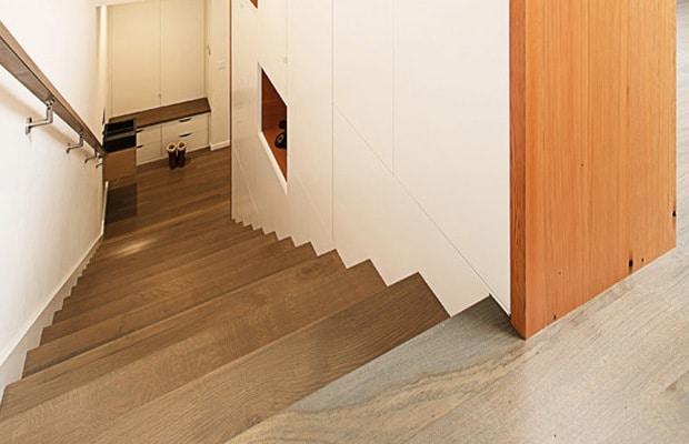Betonnen trap bekleden met hout online advies for Dikte traptreden hout