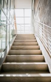 trapbedekking natuursteen